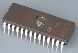 حافظه EPROM یا Erasable Programmable Read Only Memory :