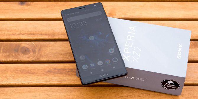 بررسی گوشی Xperia xz2