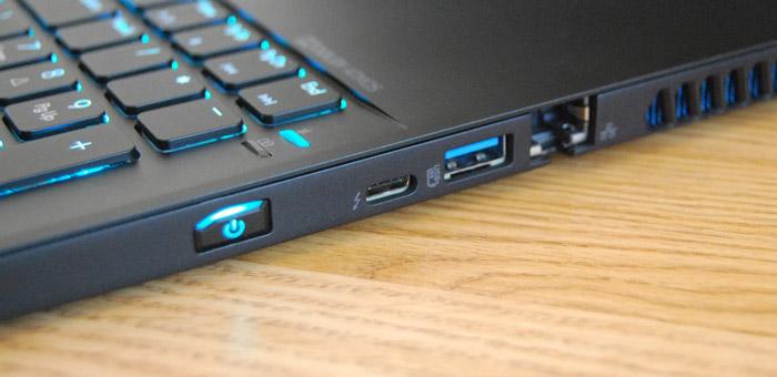 پورت Thunderbolt 3 در لپ تاپ