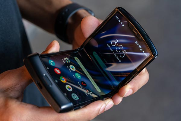 گوشی موتورولا ریزر (Motorola Razr 2019)
