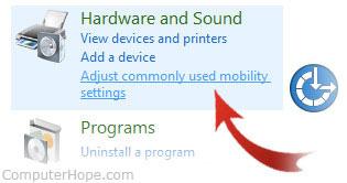 3- زیاد کردن نور صفحه لپ تاپ با استفاده از Control Panel