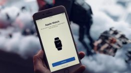 Apple-Watch-paired-with-iPhone