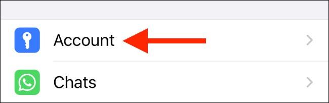 کنترل اضافه کردن گروه های واتساپ در آیفون