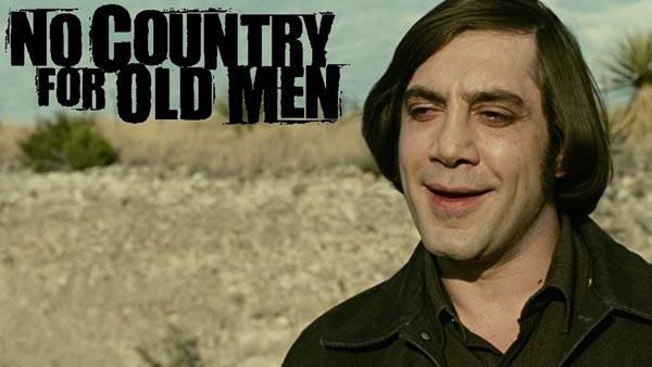خاویر باردم در نقش آنتوان چیگور در فیلم جایی برای پیرمردها نیست