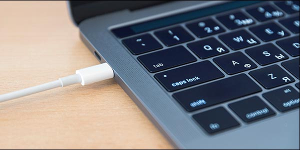 DisplayPort 2  بر روی USB-C سوار شده است