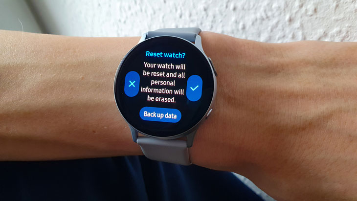 Samsung-Galaxy-Watch-Active2-factory-reset