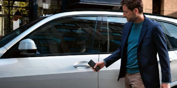 کلید دیجیتالی ماشین BMW در آیفون و اپل واچ