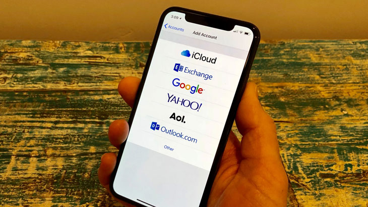 Remove-Email-Accounts-From-the-Mail-App-on-iPhone
