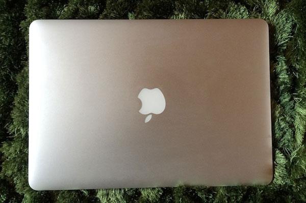 تمیز کردن بدنه لپ تاپ