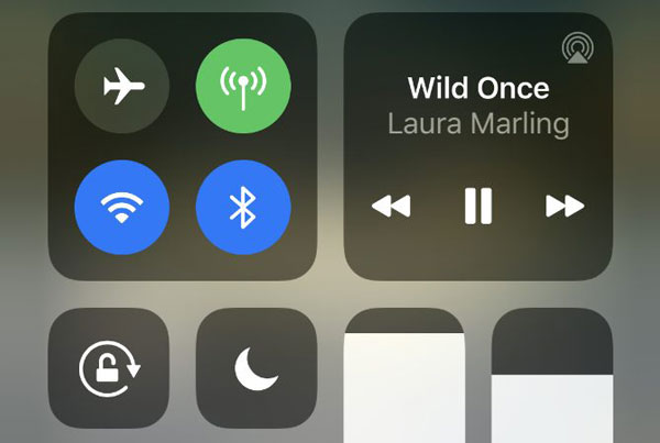 از دکمه مکث در دستگاه متصل خود استفاده کنید