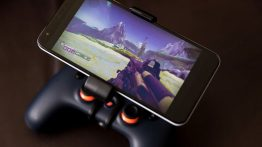 Wirelessly-Link-a-Stadia-Controller-to-an-Android-Device